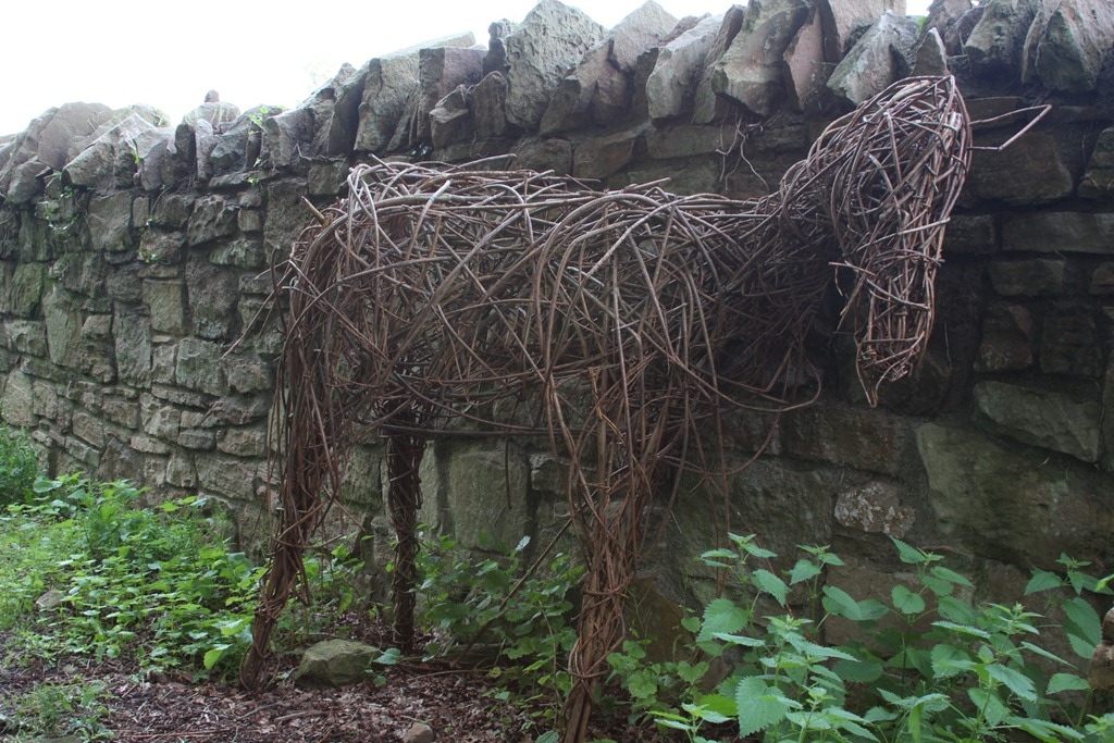 Woven horse